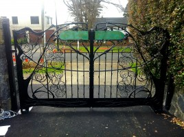 Rose hill gates. 2013.
